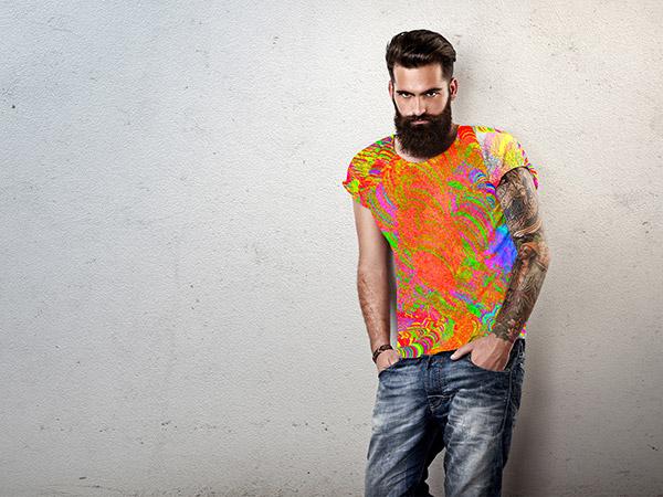 Sie sehen ein T-Shirt im Design von Free Form° 18.